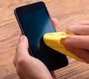 Coronavirus Comment nettoyer son smartphone