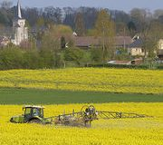 Pesticides Premier recul gouvernemental