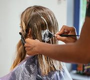 Ingrédients dans les cosmétiques Le résorcinol épinglé, l'aluminium blanchi